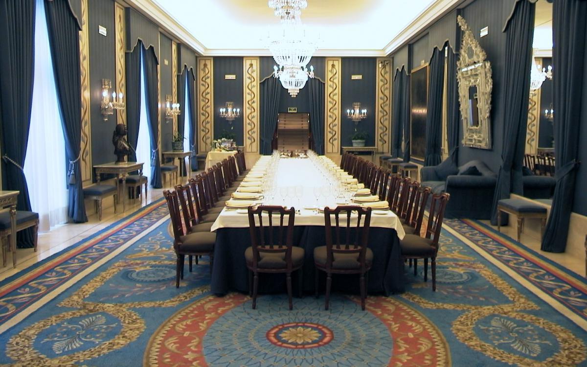 Almuerzo privado en mesa imperial
