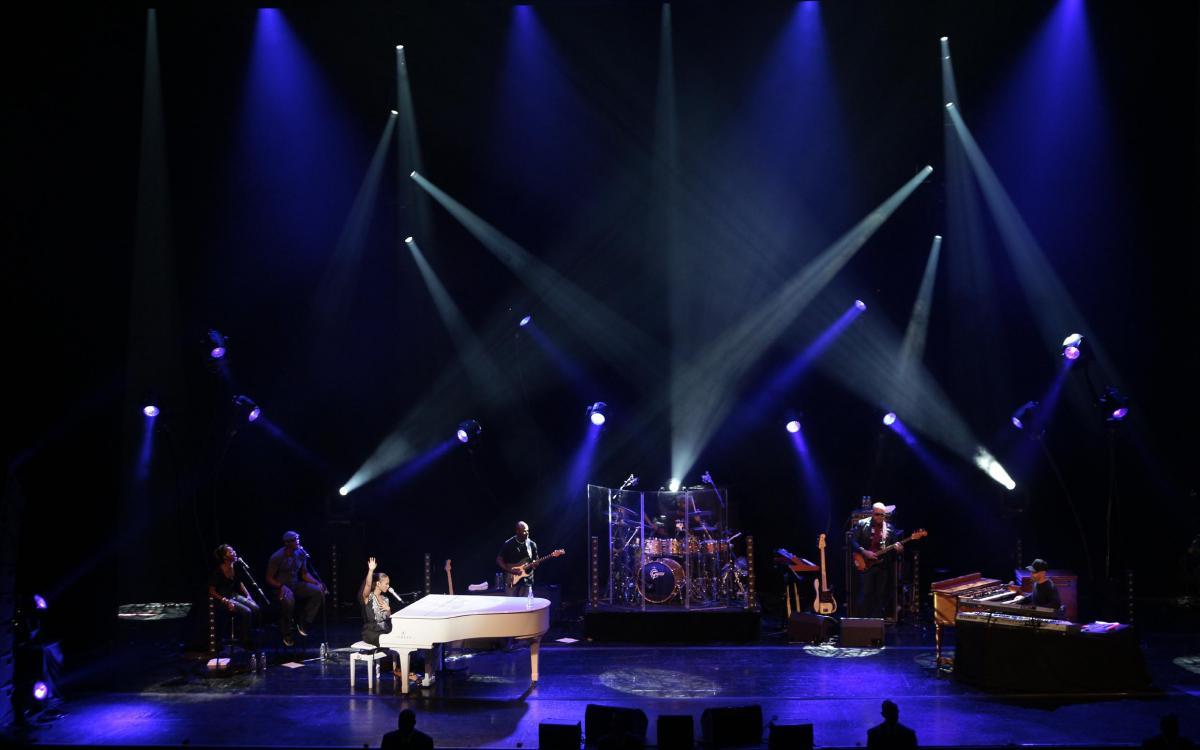 Acto privado con Alicia Keys y Alejandro Sanz